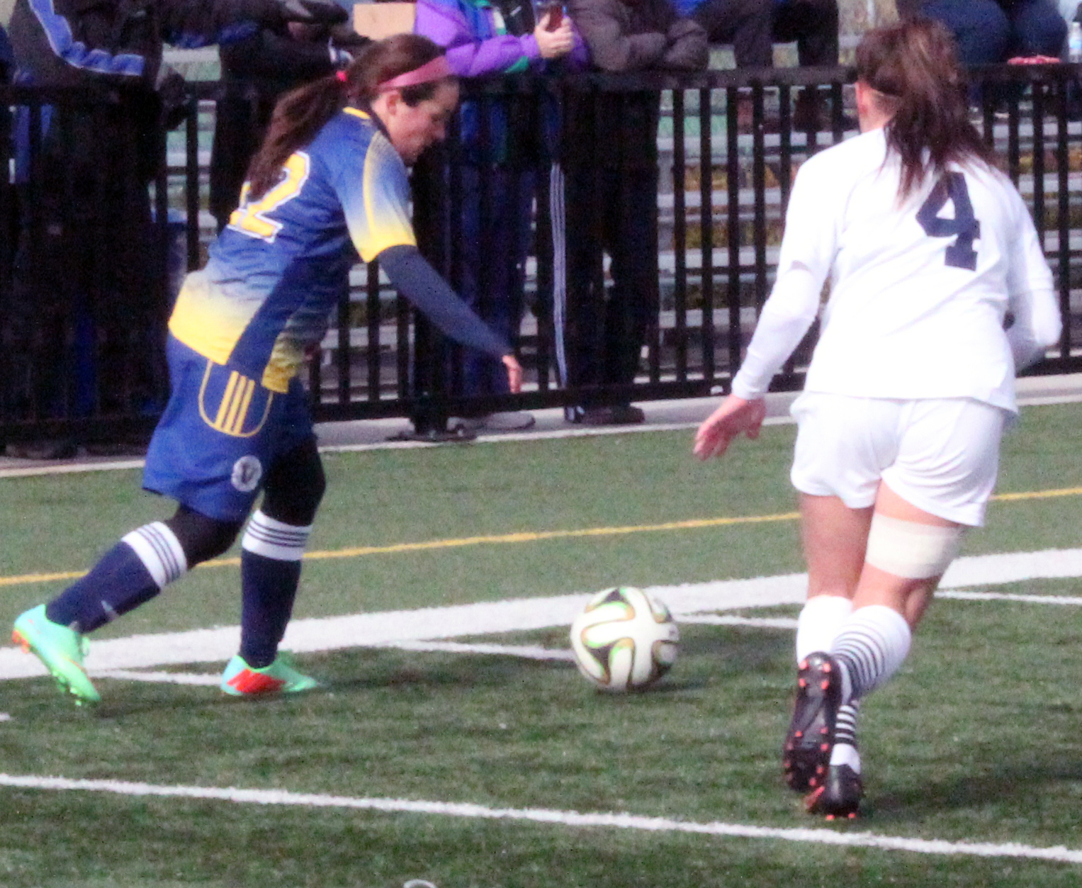 Michelle Walsh, #22, plays against University of Toronto on Oct. 19. Photo by Gabriel Rodrigues