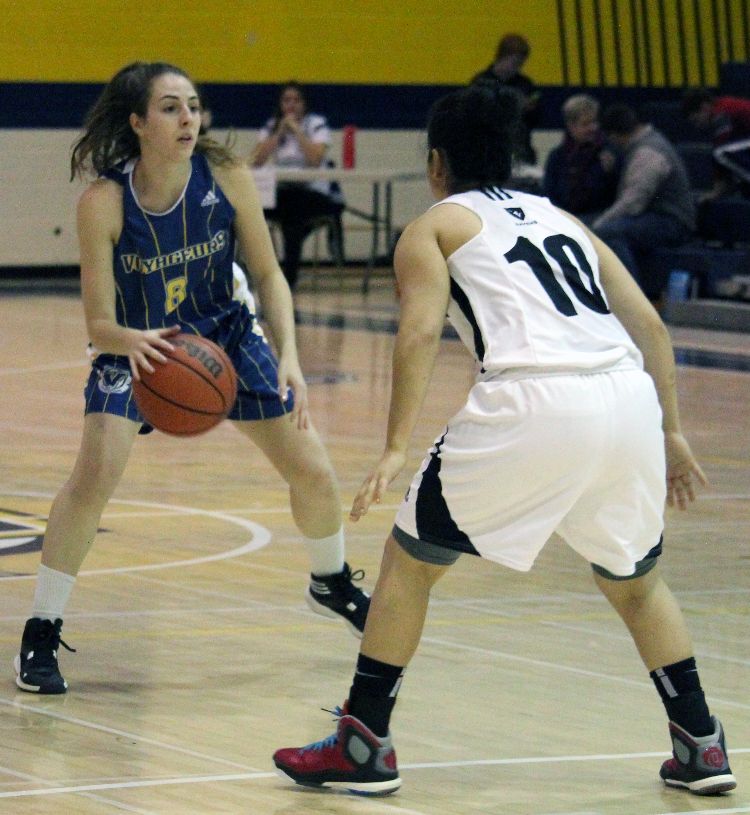 The Laurentian women's basketball team facing the Carleton Ravens on Nov. 15. Photo by Gabriel Rodrigues