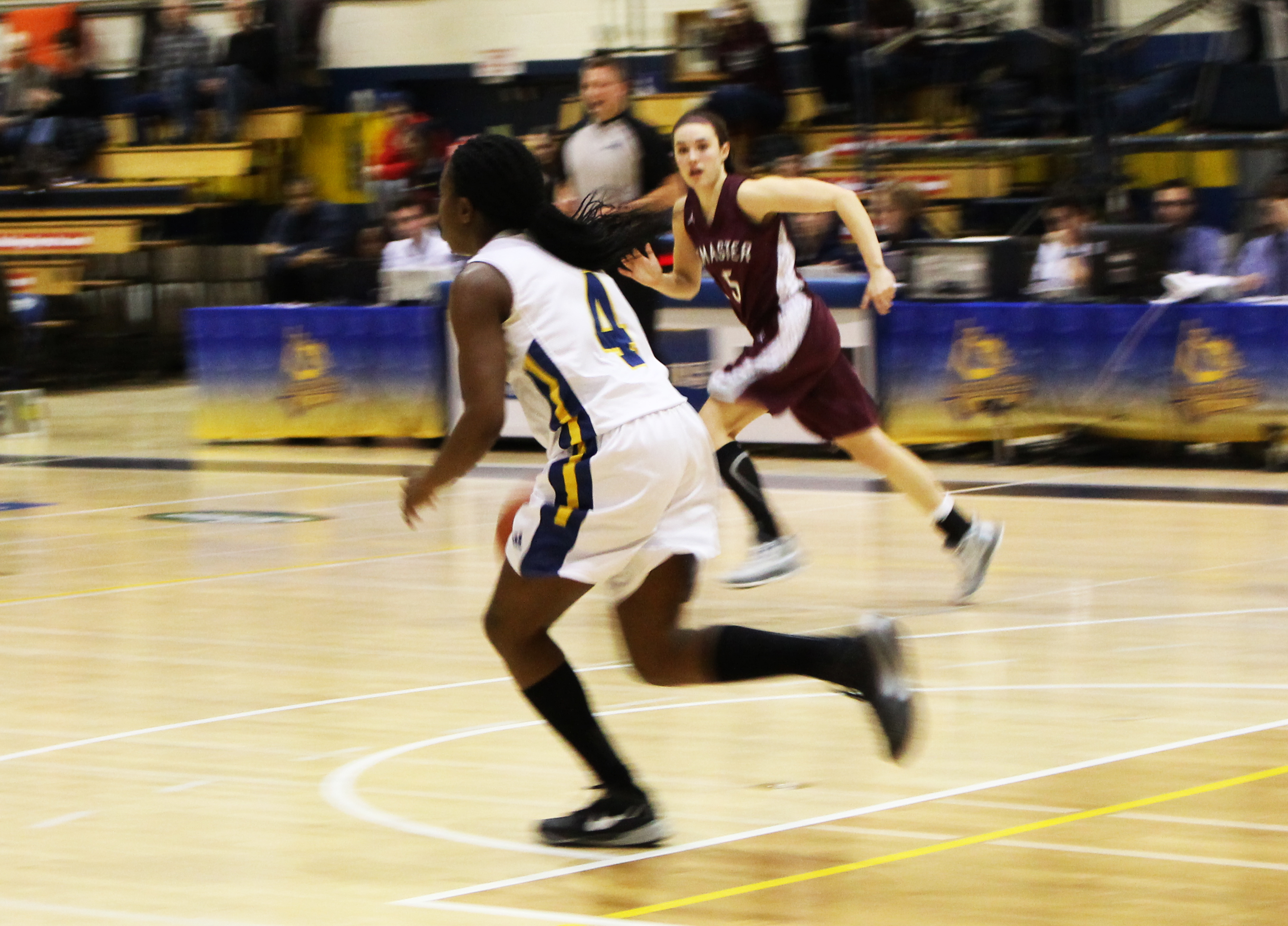 The women Voyageurs basketball team faces the McMaster Marauders on January 16. Photo by Kayla Perry